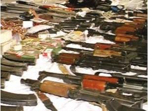 أسلحة ضبطت بحوزة الإرهابيين